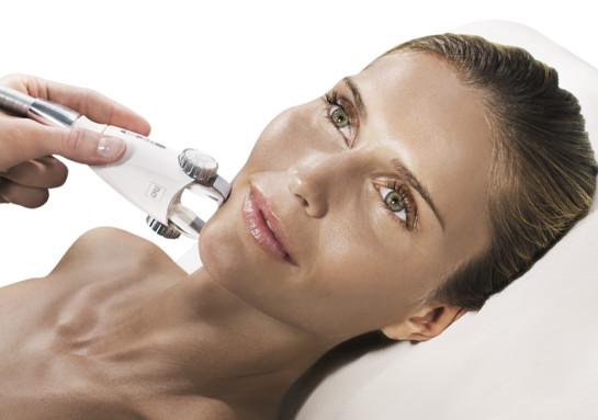 Zabieg stymulacji komórkowej twarzy